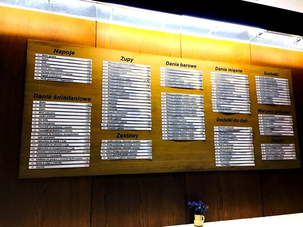 tablica z menu w barze mlecznym, warszawa, nowy świat, bar mleczny Familijny