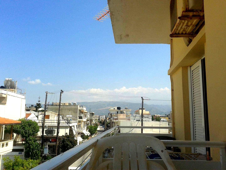 Tani hostel kreta widok z balkonu