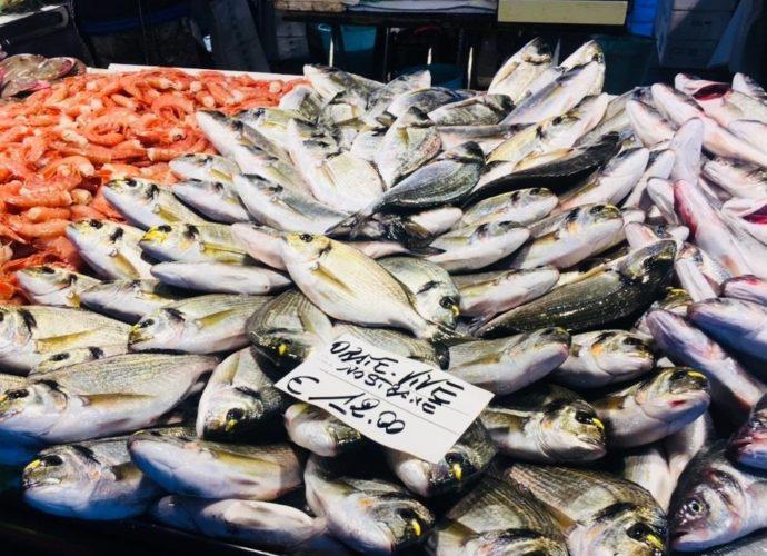 rynek w Rialto wenecja