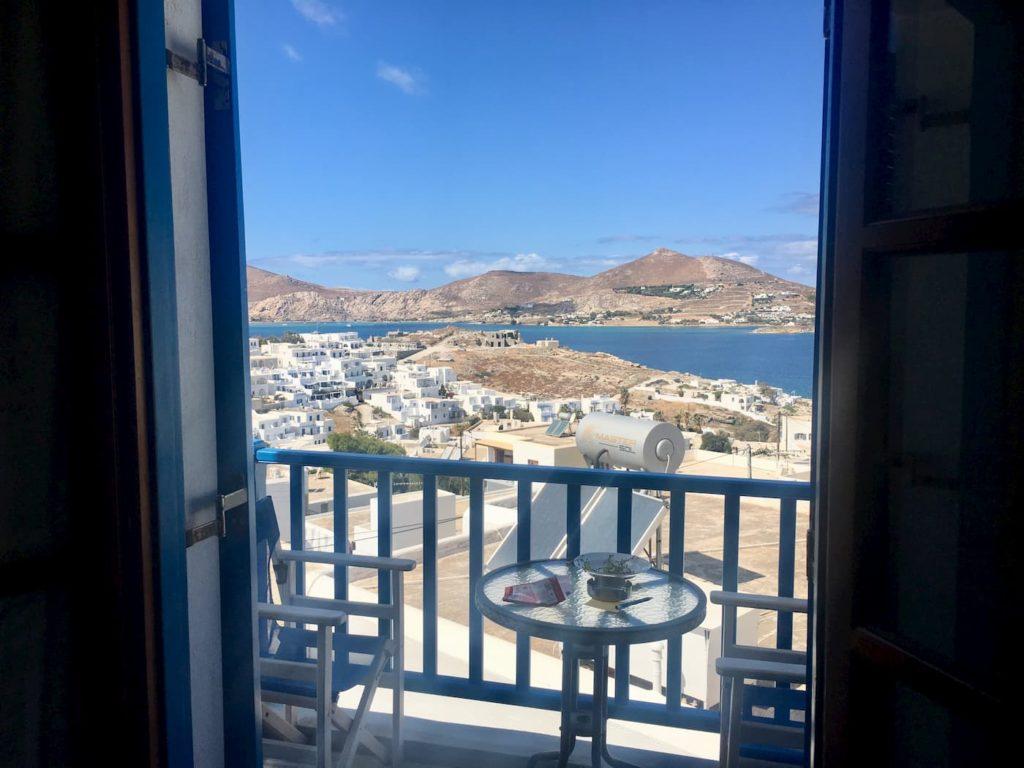 balkon z widokiem na morze grecja