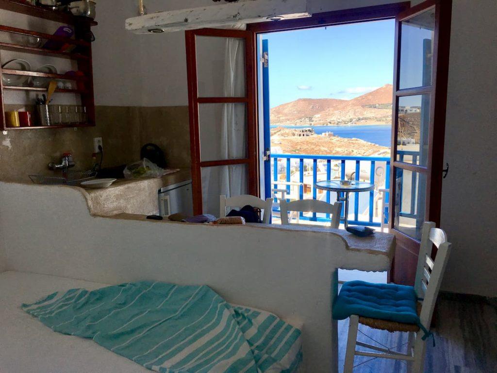 apartament z balkonem z widokiem na morze